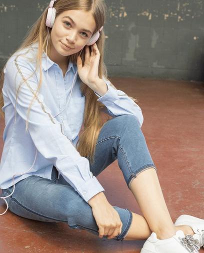 Hemd met glitterstrook en jeans